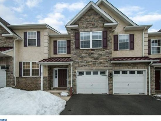 304 Fairfield Cir S, Royersford, PA 19468