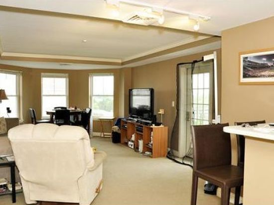 10 Seaport Dr APT 2415, Quincy, MA 02171