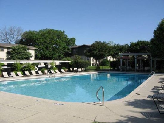 420 Cloverleaf Ave APT 4, San Antonio, TX 78209