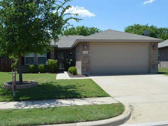 1343 Hillside Dr, Burleson, TX 76028