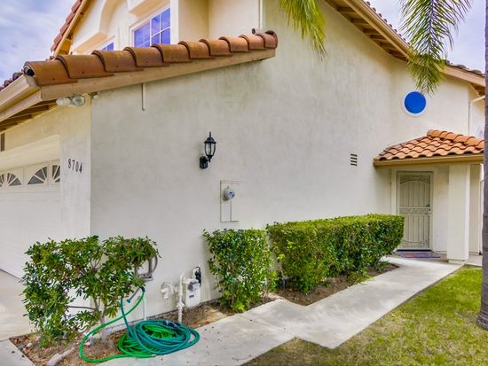 8704 Creekwood Ln, San Diego, CA 92129