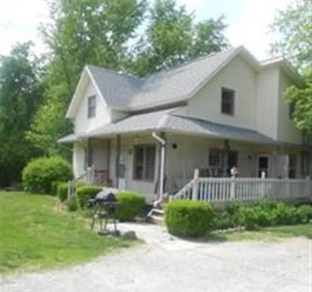 210 W Waterford St, Wakarusa, IN 46573