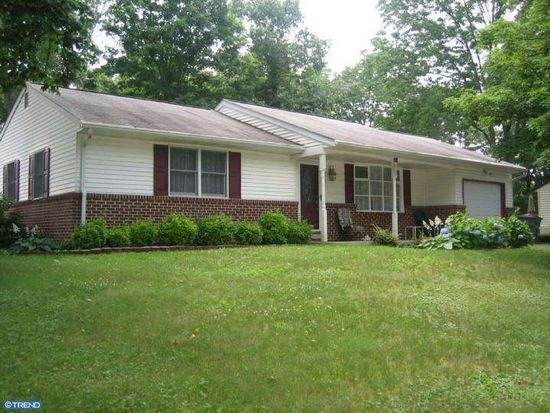 314 Ivy Ln, Douglassville, PA 19518