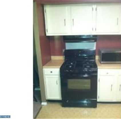 2902 State Hill Rd APT E4, Wyomissing, PA 19610