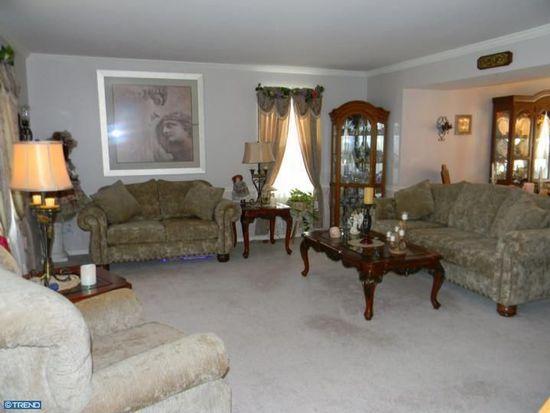 462 Pheasant Ln, Fairless Hills, PA 19030