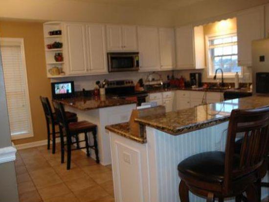 1404 Lake Ridge Sq, Johnson City, TN 37601