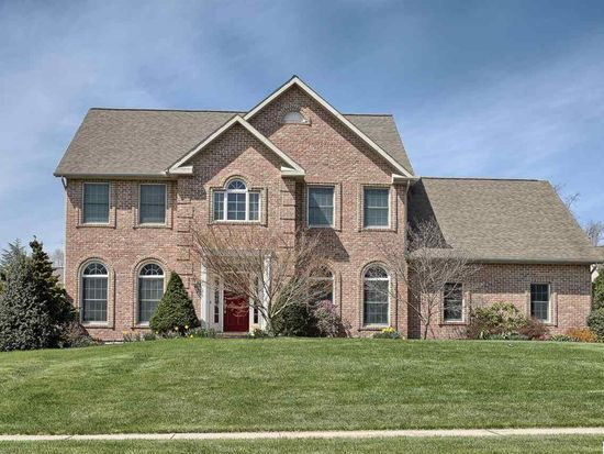 1221 Kings Cir, Mechanicsburg, PA 17050