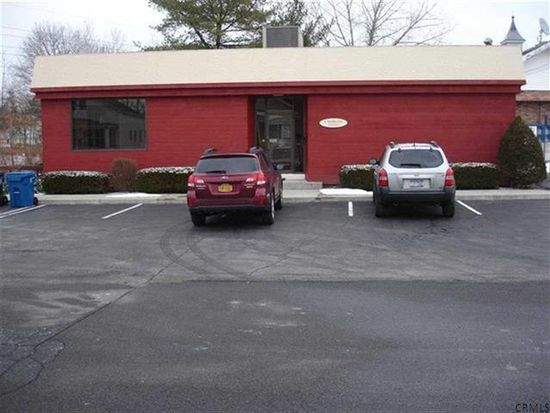 2 Howard Pl, Delmar, NY 12054