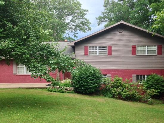 529 N Lilly Dr, Beckley, WV 25801