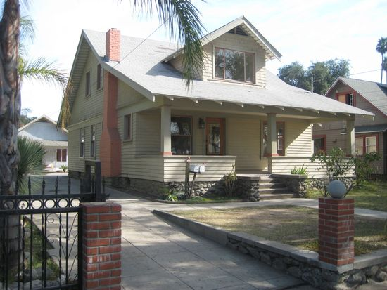 1896 N Raymond Ave, Pasadena, CA 91103