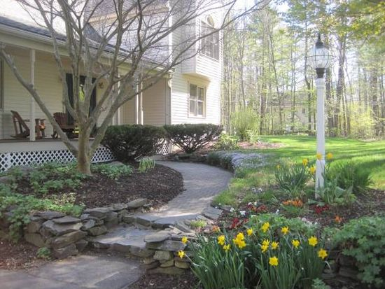 71 Meadow Rd, Newfields, NH 03856