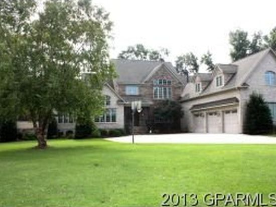 203 Deer Creek Ln, Greenville, NC 27834