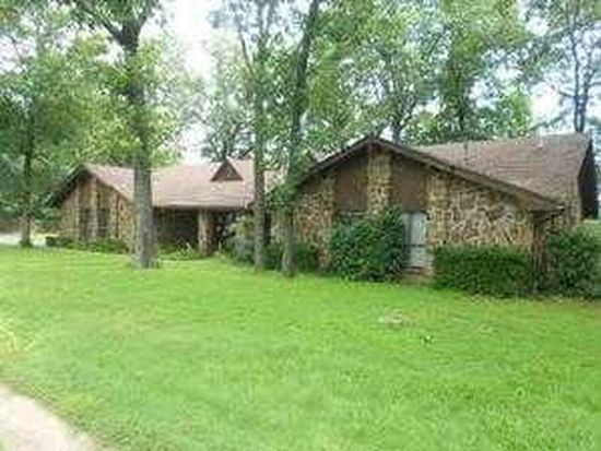 1005 W Red Oak St, Stilwell, OK 74960