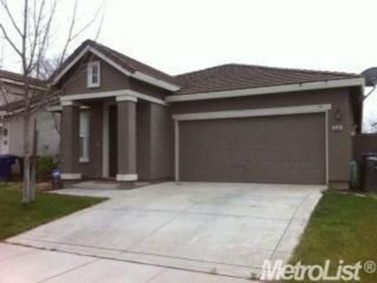 1666 Vosspark Way, Sacramento, CA 95835