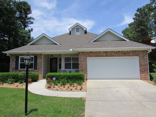 7 Edinburgh Cir, Hattiesburg, MS 39401