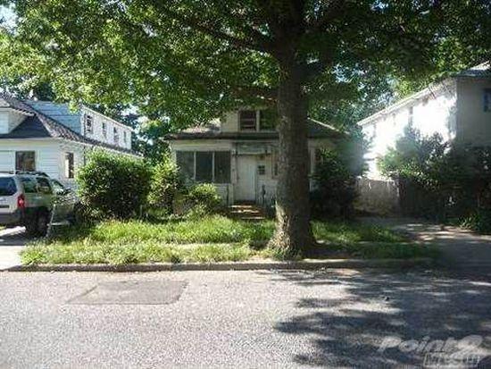 17 W Pennywood Ave, Roosevelt, NY 11575