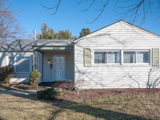 1709 Kruss Ave, Kettering, OH 45429