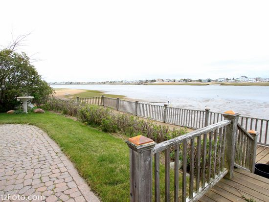 5 Basin St, Newburyport, MA 01950