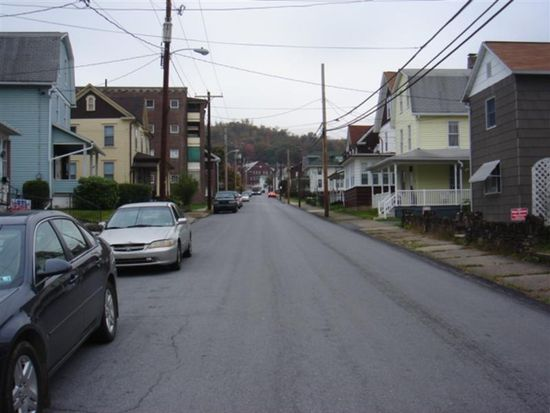 250 Chandler Ave, Johnstown, PA 15906