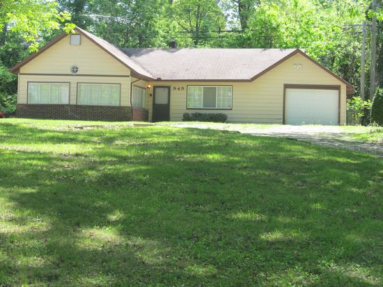 949 Lakeside, White Lake, MI 48327