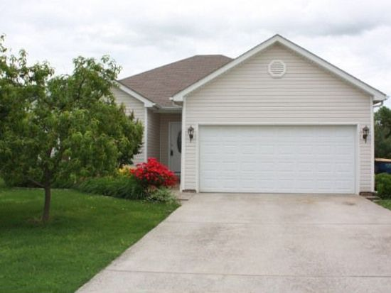 3272 Cave Springs Ave, Bowling Green, KY 42104