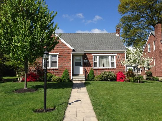 703 Delaware Ave, Lansdale, PA 19446