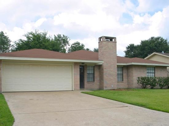 3813 Shadow Bend Ln, Port Arthur, TX 77642