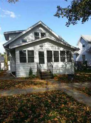 1352 Hinkley Ave NW, Cedar Rapids, IA 52405