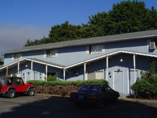 540 Cedar St APT 13, Junction City, OR 97448