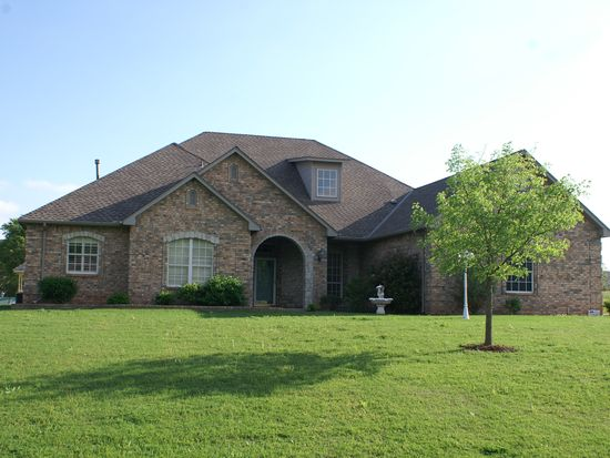 1612 SW 38th St, Moore, OK 73160