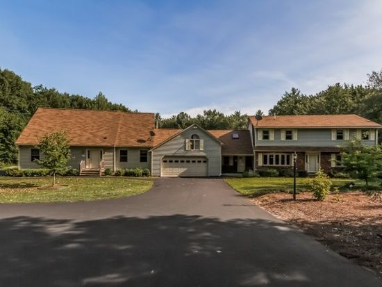 39 Hickory Ln, Danville, NH 03819