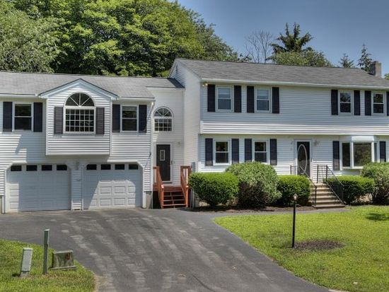 3 Rebecca Dr, Londonderry, NH 03053