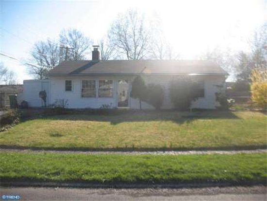 65 Gable Hill Rd, Levittown, PA 19057
