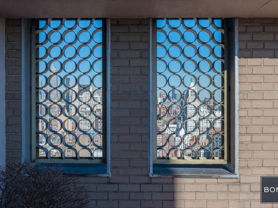 60 E 8th St APT 18C, New York, NY 10003