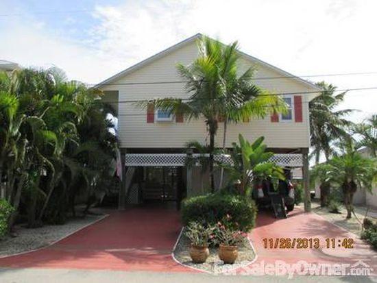 2725 Bruce St, Matlacha, FL 33993