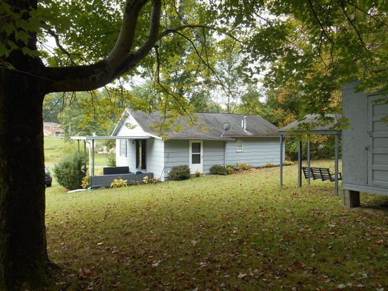 319 State St, Oak Hill, WV 25901