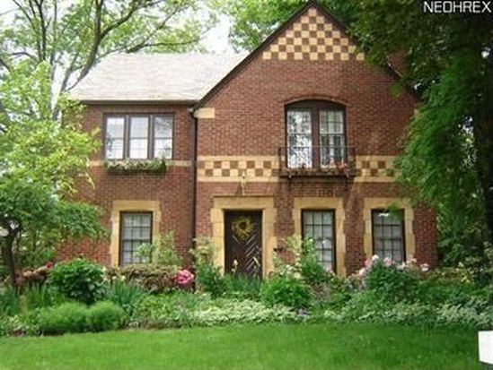 2573 Dysart Rd, University Heights, OH 44118