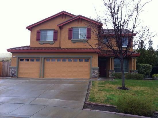 236 Woodcrest Dr, Vacaville, CA 95688