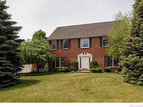 5581 Kippen Dr, East Amherst, NY 14051