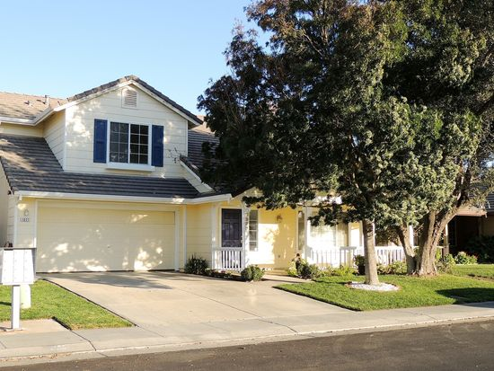 1027 Bourn Dr, Woodland, CA 95776