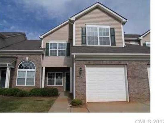 12111 Stratfield Place Cir, Pineville, NC 28134
