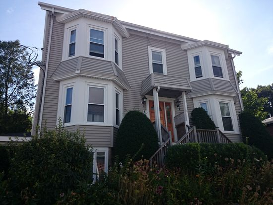 16 Peaceable St APT 4, Boston, MA 02135