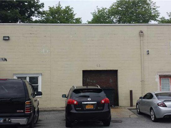 23 Blake Ave, Lynbrook, NY 11563
