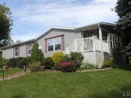 8745 White Pine Dr, Breinigsville, PA 18031