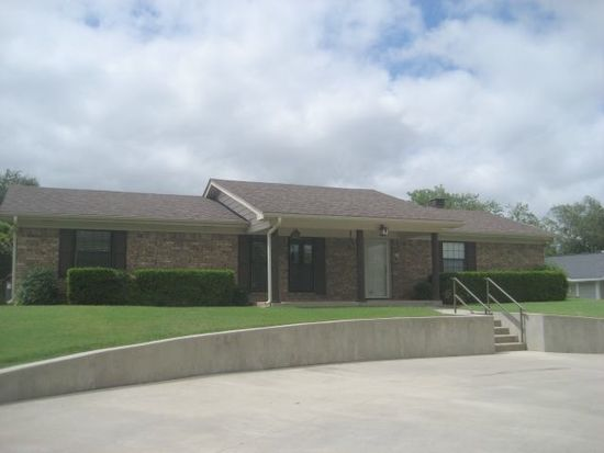 104 Tanglewood Dr, Pauls Valley, OK 73075