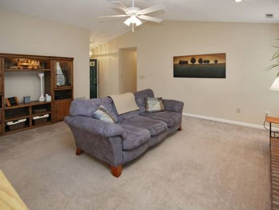 10389 Whitewater Ln, Fishers, IN 46037