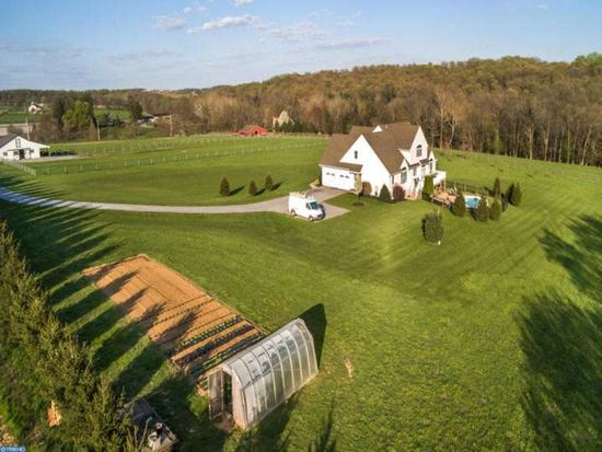 400 High Point Rd, Cochranville, PA 19330