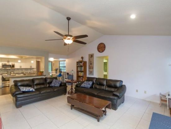 431 Winding Willow Dr, Palm Harbor, FL 34683
