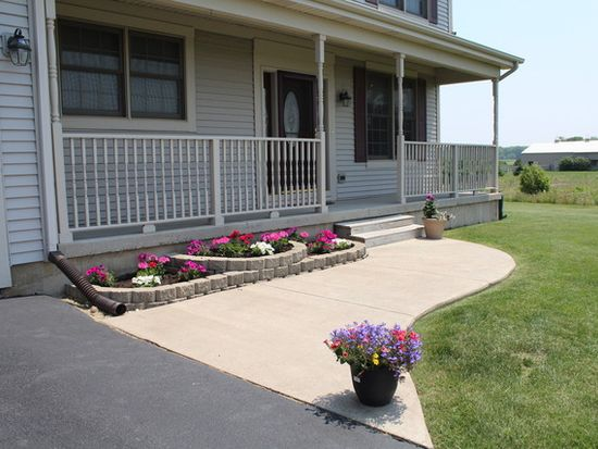 11N025 Lukens Rd, Sycamore, IL 60178