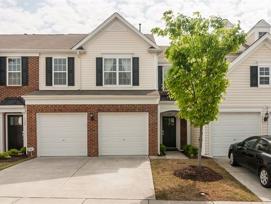 8220 Pilots View Dr, Raleigh, NC 27617